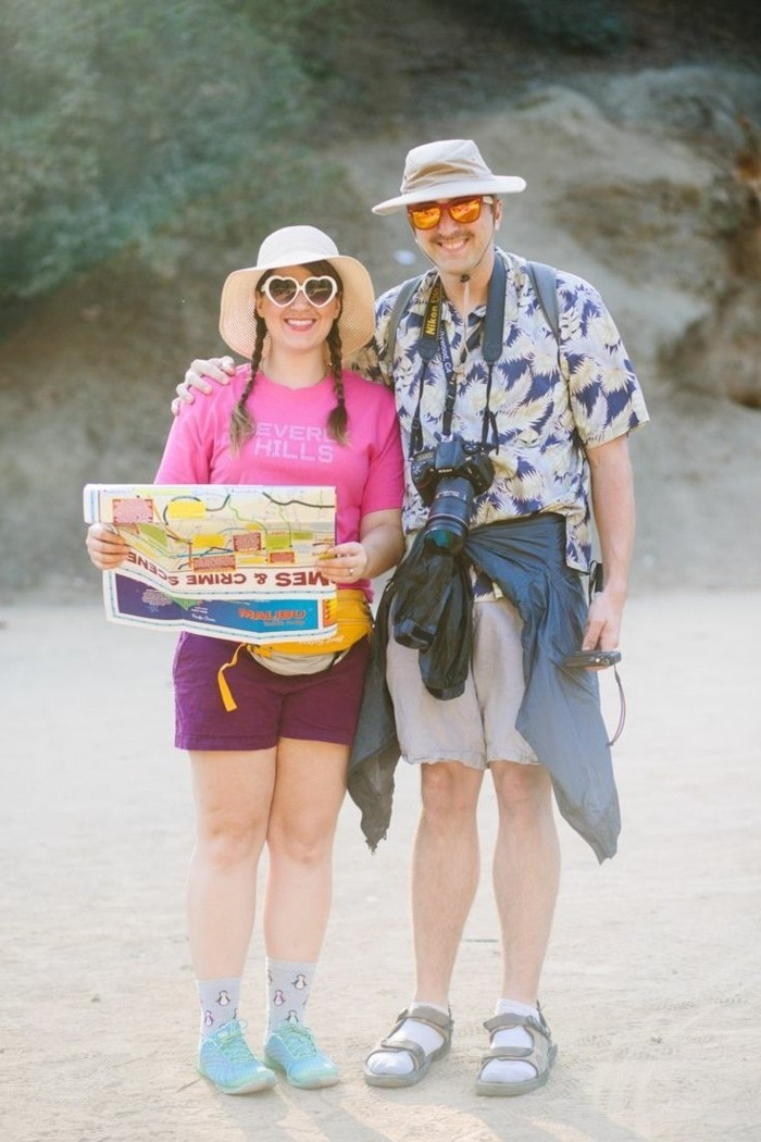 idea-very-easy-to-realize-and-not-expensive-idea-costume-halloween-tourists