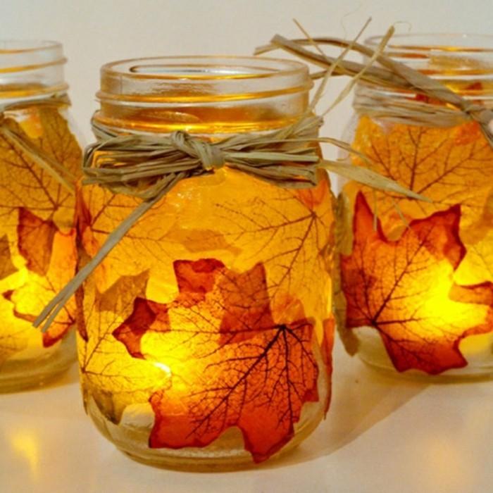 idees-deco-bocaux-de-printemps-avec-fouilles-oranges-comment-decorer-des-bocaux-pour-halloween