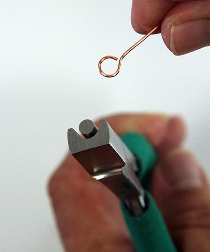 instrument-pour-comment-fabriques-des-bijoux-a-la-maison-instrument-pour-faire-boucle-d-oreille