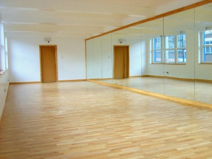 interieur-danse-salle-sens-pose-parquets-flottants-massif
