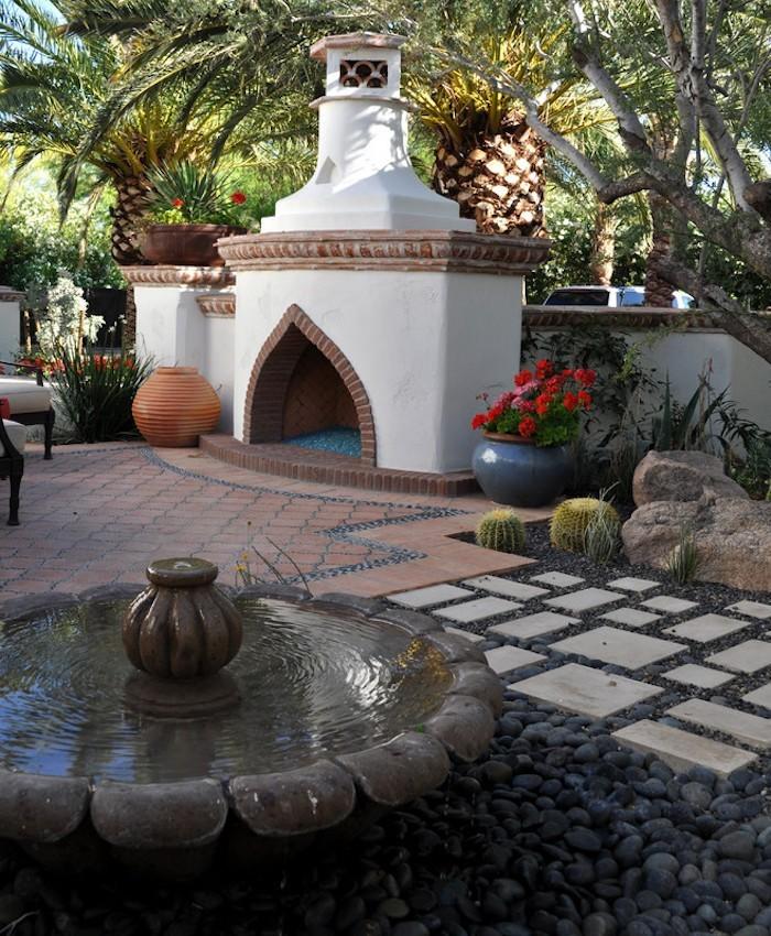 jardin-mediterraneen-arabe-idee-deco-design-cheminee-exterieur