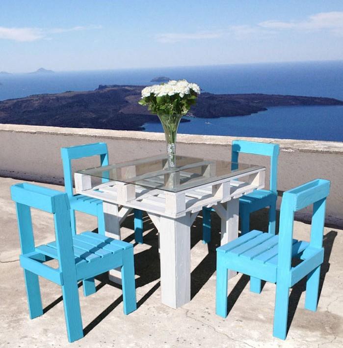 jardin-mediterraneen-grece-grec-idees-deco-design-amenagement-objet-chaises-table-palette-pas-cher-blanc-bleu-accessoires