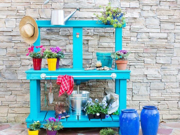 jardin-mediterraneen-grec-grece-style-idee-deco-design-decoration-bleu-blanc-meuble