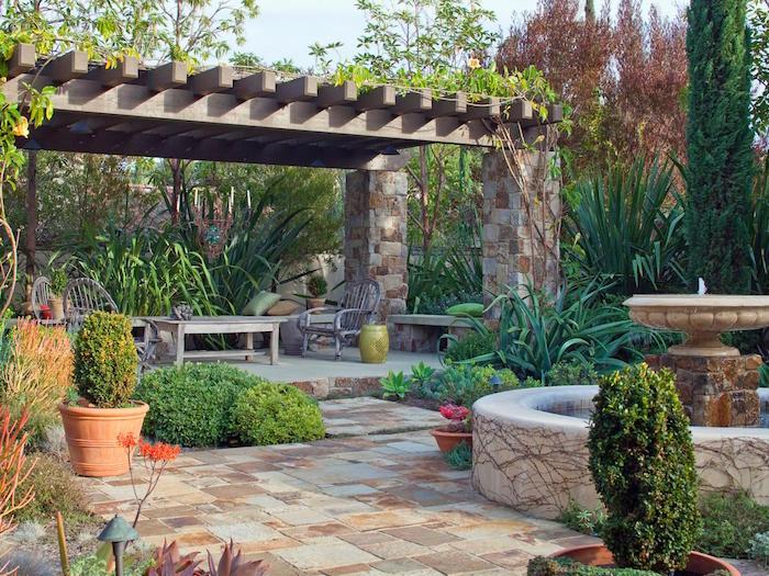 jardin-méditerranéen-idée-deco-design-patio-espagne-décoration-exterieur