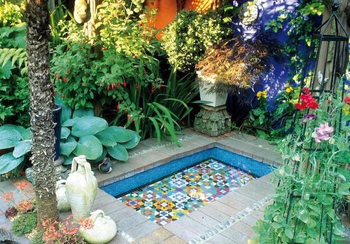 jardin-mediterraneen-idee-deco-design-plantes-fleurs-mosaique