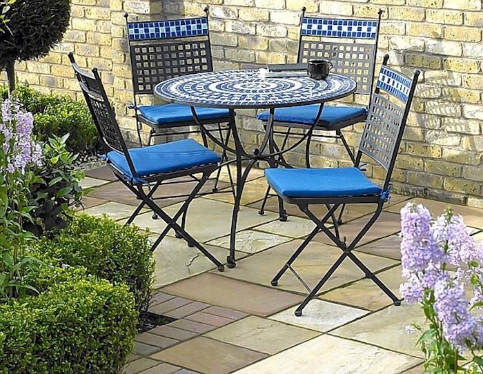 jardin-mediterraneen-oriental-maroc-idee-deco-design-amenagement-objet-table-chaises