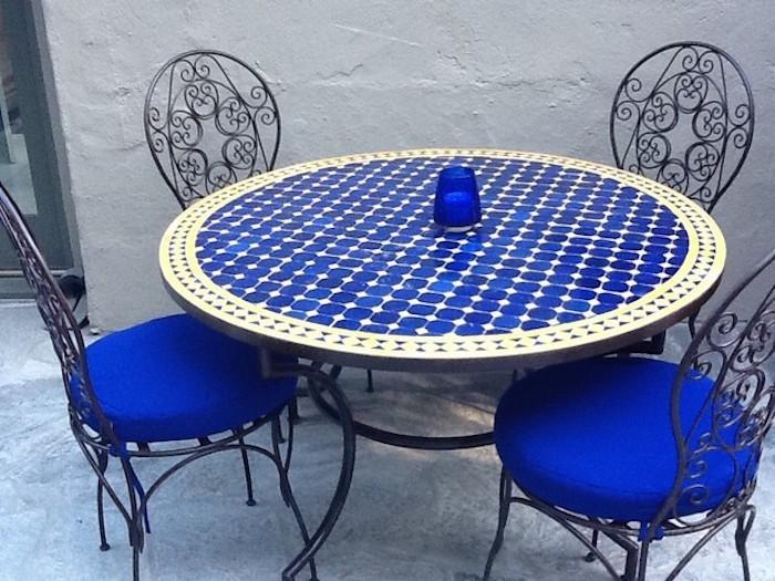 jardin-mediterraneen-oriental-maroc-idee-deco-table