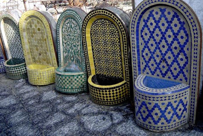 jardin-mediterraneen-oriental-maroc-idee-decoration-design-mosaiques-fontaine