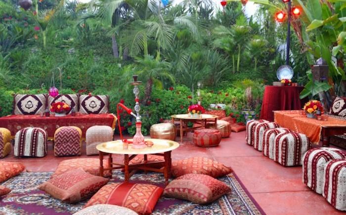 jardin-mediterraneen-oriental-marocain-idee-deco-design-amenagement-objet-chaises-accessoire