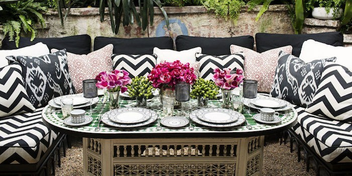 Stunning table de jardin en mosaique marocaine photos for Objet decoration jardin