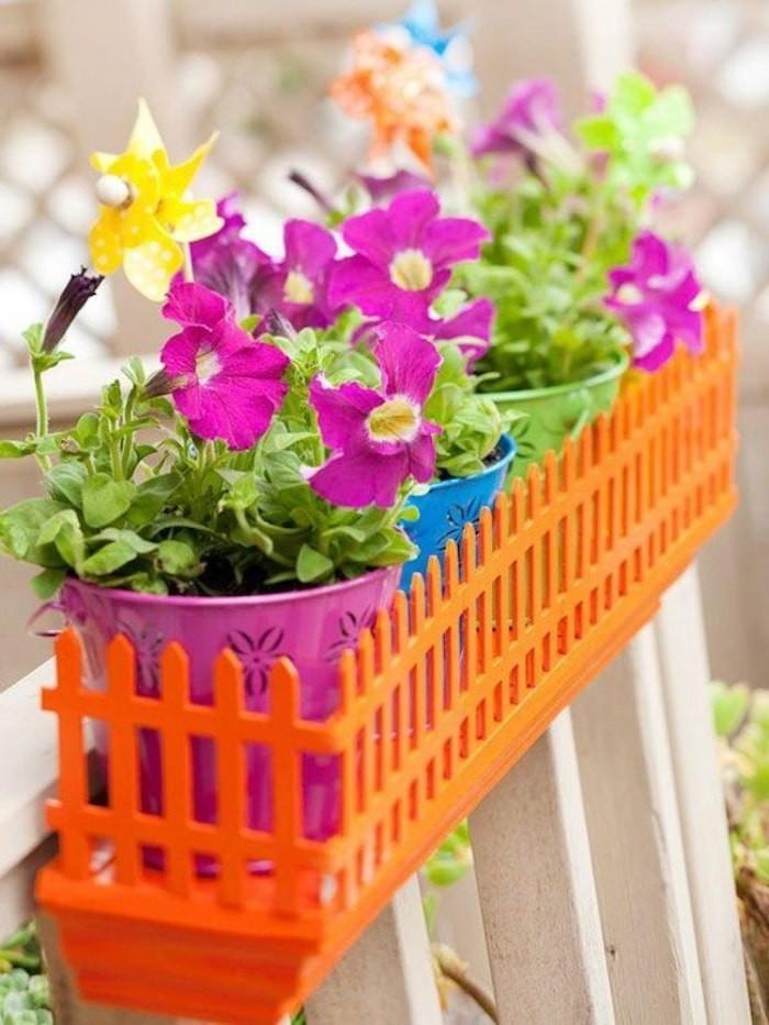 Jardini re balcon 50 photos pour choisir la jardini re for Jardiniere en plastique