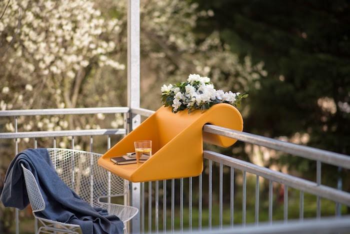 jardiniere-balcon-plastique-table-design