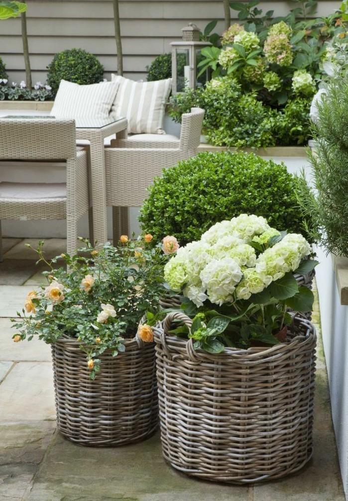 jardini re balcon 50 photos pour choisir la jardini re. Black Bedroom Furniture Sets. Home Design Ideas