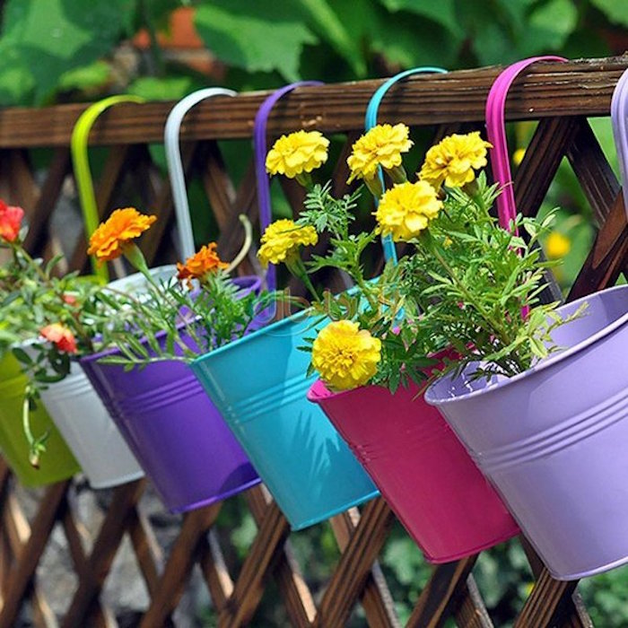 jardiniere-balcon-pots-de-fleurs-couleurs-metal-design-idees-decoration-balcons
