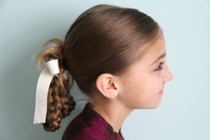 jolie-suggestion-tres-classique-avec-tresses-coiffure-petite-fille-geniale
