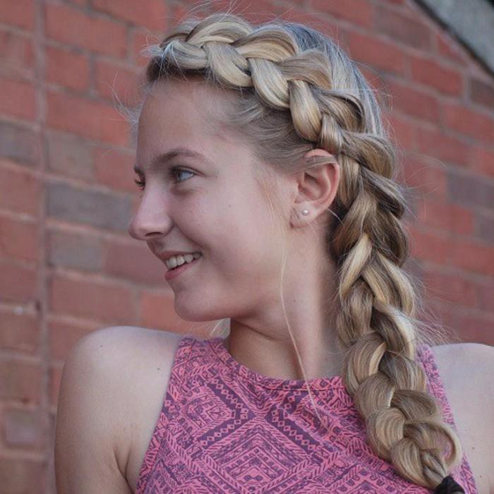 jolie-tresse-classique-coiffure-simple-et-rapide-suggestion-mignonne