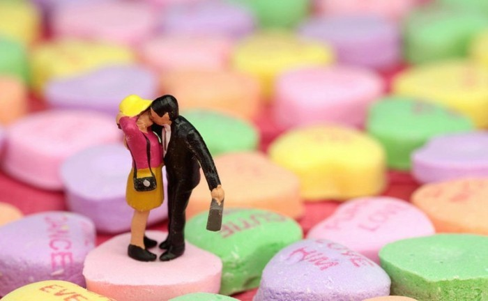 la-carte-de-saint-valentin-belle-photo-a-offrir-des-bonbons