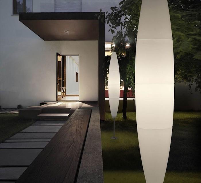 Lampadaire exterieur design 42 id es lumineuses for Architecture exterieur