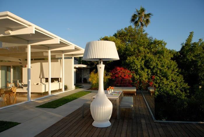lampadaire-exterieur-design-modern-blanc