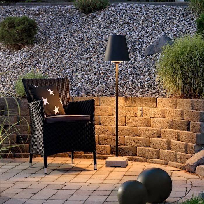 lampadaire exterieur design 42 id es lumineuses. Black Bedroom Furniture Sets. Home Design Ideas