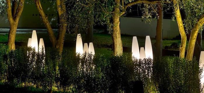 lampadaires-exterieur-design-lumieres-jardin-led