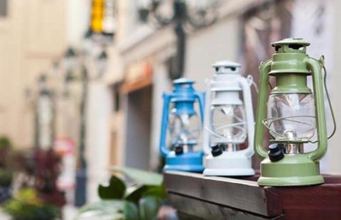 lampe-a-petreole-essence-deco-jardin