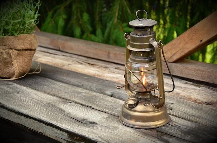 lampe-a-petrole-essence-ancienne
