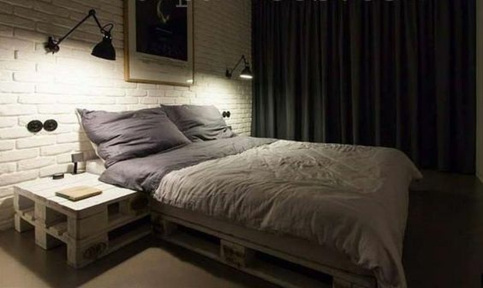 Comment faire un lit en palette 52 id es ne pas manquer - Table de nuit en palette ...