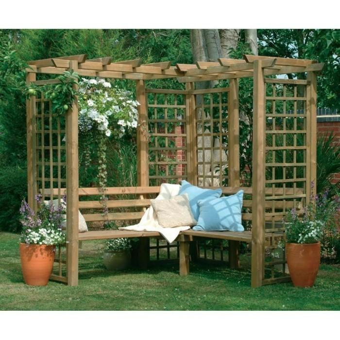 magnifique-suggestion-pergola-bois-jardin-avec-banc-et-deco-florale-tres-sympa