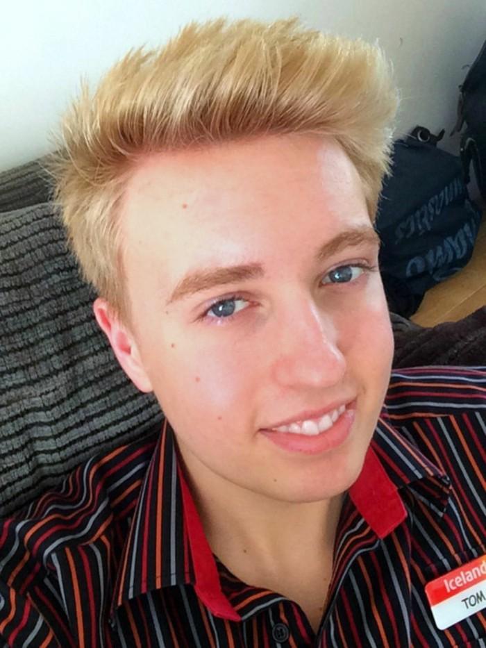 meche-blonde-homme-coiffure-homme-court