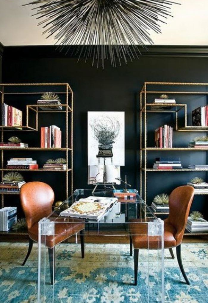 meuble-bureau-design-bureau-en-verre-et-chaises-en-cuir-marron