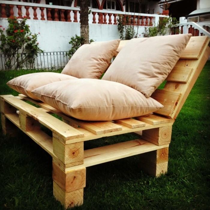 Comment fabriquer un canap en palette tuto et 60 super - Comment fabriquer salon de jardin en palette ...