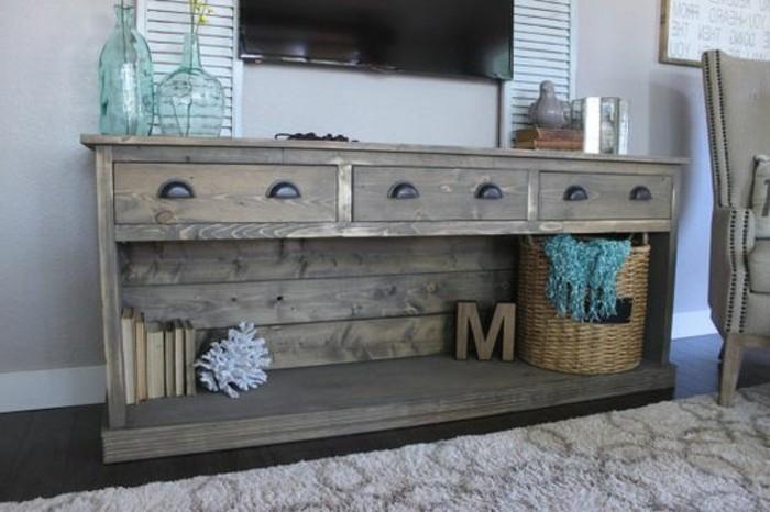 meuble-en-palette-usee-au-gout-rustique-suggestion-parfaite-pour-votre-salon