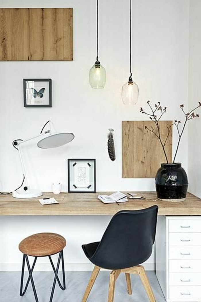 meuble-informatique-chaise-noir-bois-lampes