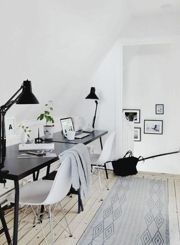 meuble-informatique-lampe-bureau-blanc-mur