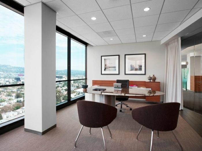 meuble-informatique-vaste-chambre-avec-bureau