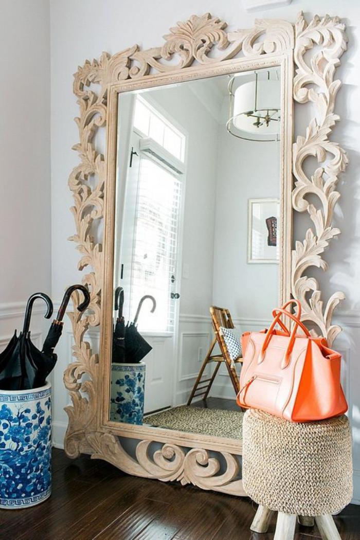 Quel miroir d 39 entr e choisir pour son int rieur jolies for Encadrement de miroir en bois