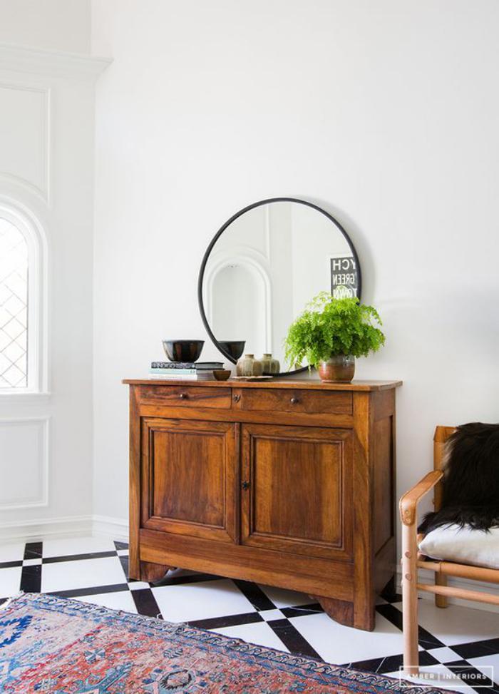 miroir-d-entree-meuble-mid-century-et-miroir-rond