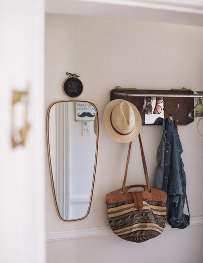 miroir-d-entree-miroir-asymetrique-vestiaire