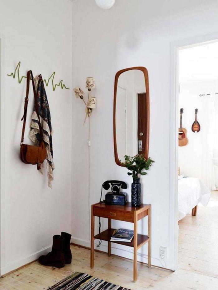 miroir-d-entree-petit-miroir-dans-une-entree-style-scandinave