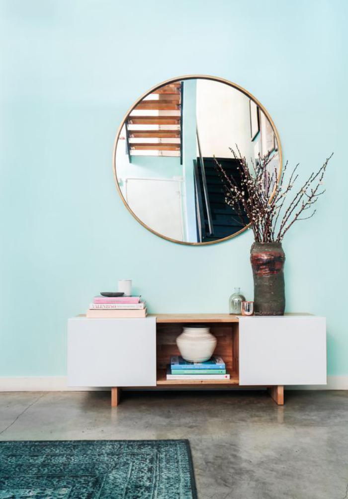 miroir-d-entree-style-mid-century-tapis-vert-d-entree