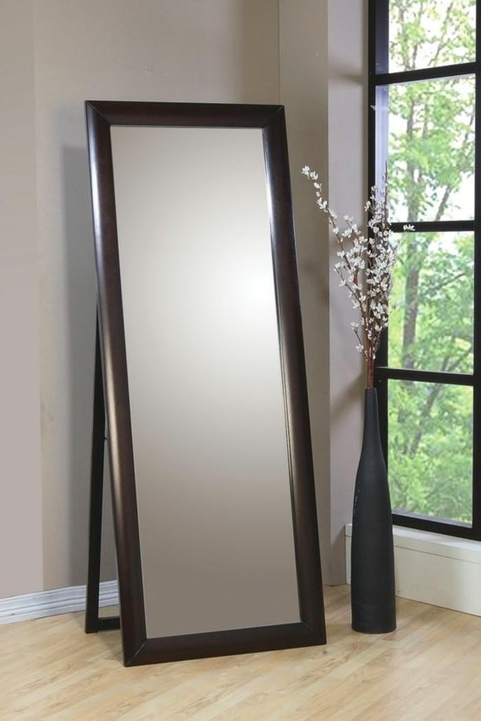 miroir-grand-format-chic-salle-mur-gris