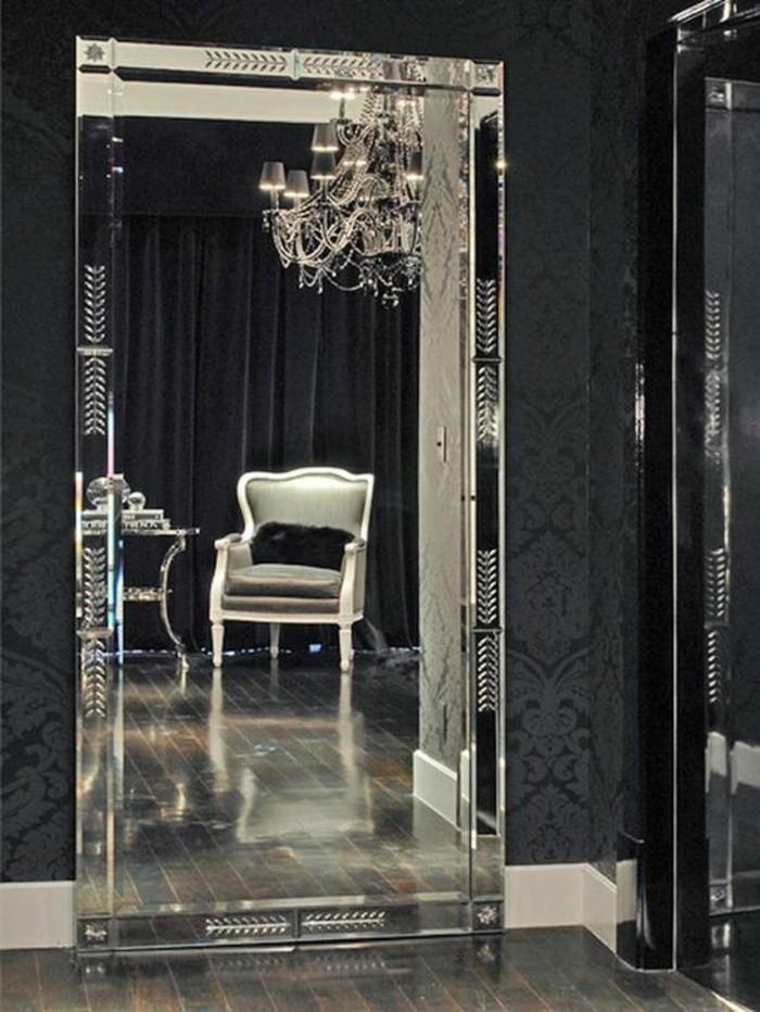 miroir-grand-format-gris-noir-chic-moderne-lustre-chaise