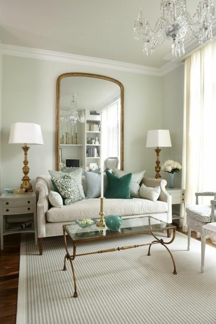 miroir-grand-format-lampes-fleur-claire-sofa-vert