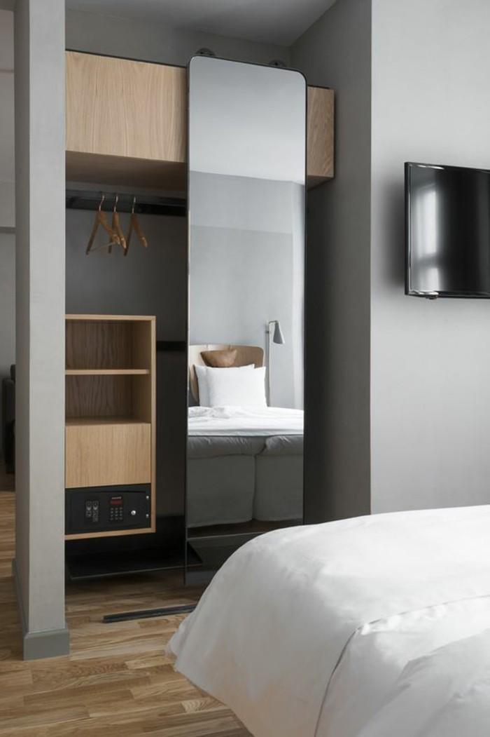 miroir-grand-format-meubles-lit-mur-gris-armoire