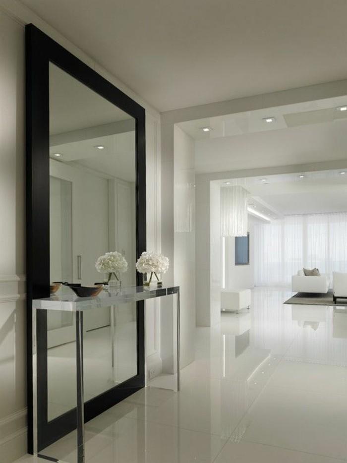 miroir-grand-format-mur-blanc-fleur-vase-verre