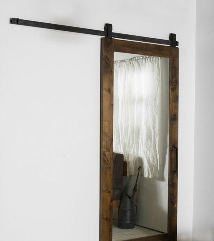76 id es avec un miroir grand format for Grand miroir cadre noir