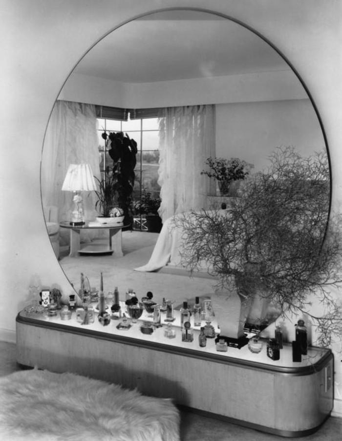 miroir-grand-format-noir-blanc-perfume-coiffeuse