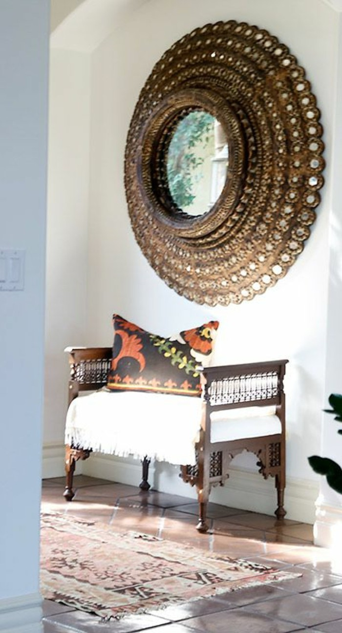 miroir-grand-format-ronde-mur-couchette-blanc