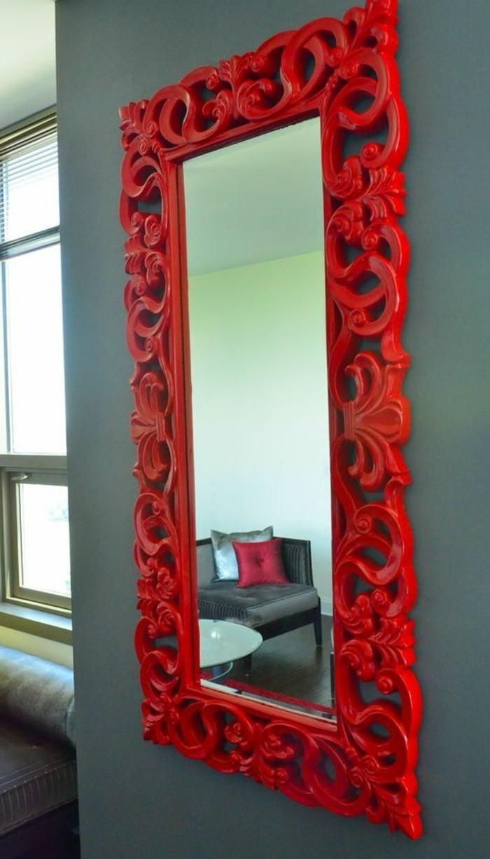 miroir-grand-format-rouge-gris-mur-rectangulaire